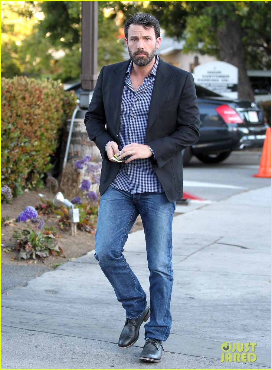 ben affleck solo stroll on anniversary 132681343