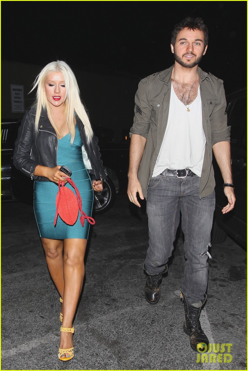 Christina Aguilera: 'Happy Birthday, Cee-Lo!': Photo ...: http://www.justjared.com/photo-gallery/2669624/christina-aguilera-date-night-09/