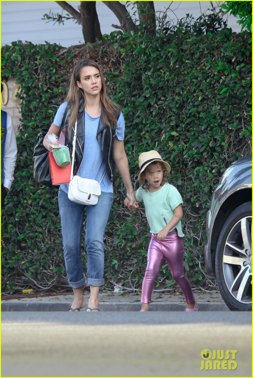 jessica alba malibu with honor 112673602
