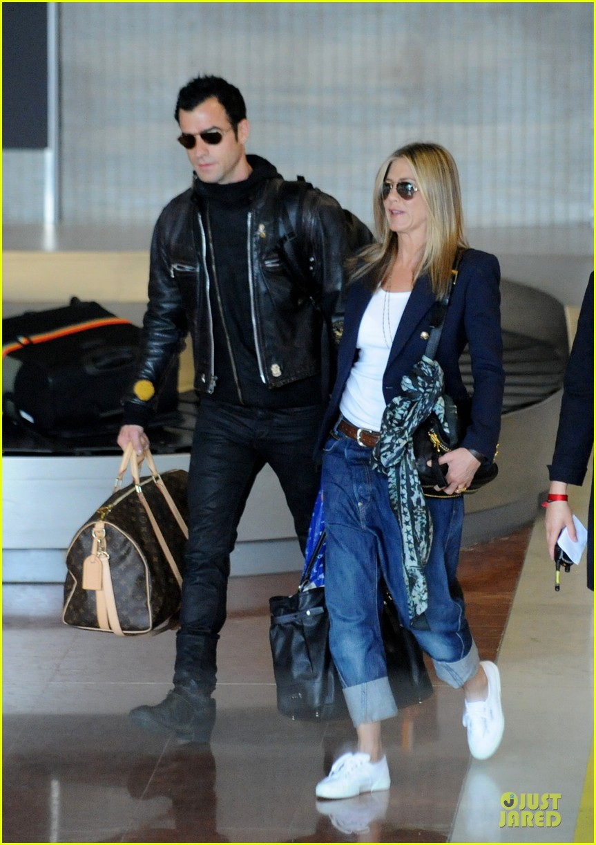 jennifer aniston justin theroux paris arrival 092673655
