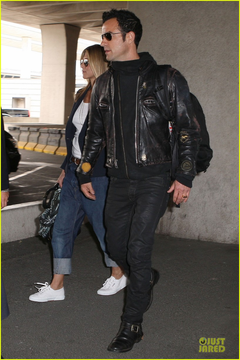 jennifer aniston justin theroux paris arrival 152673661