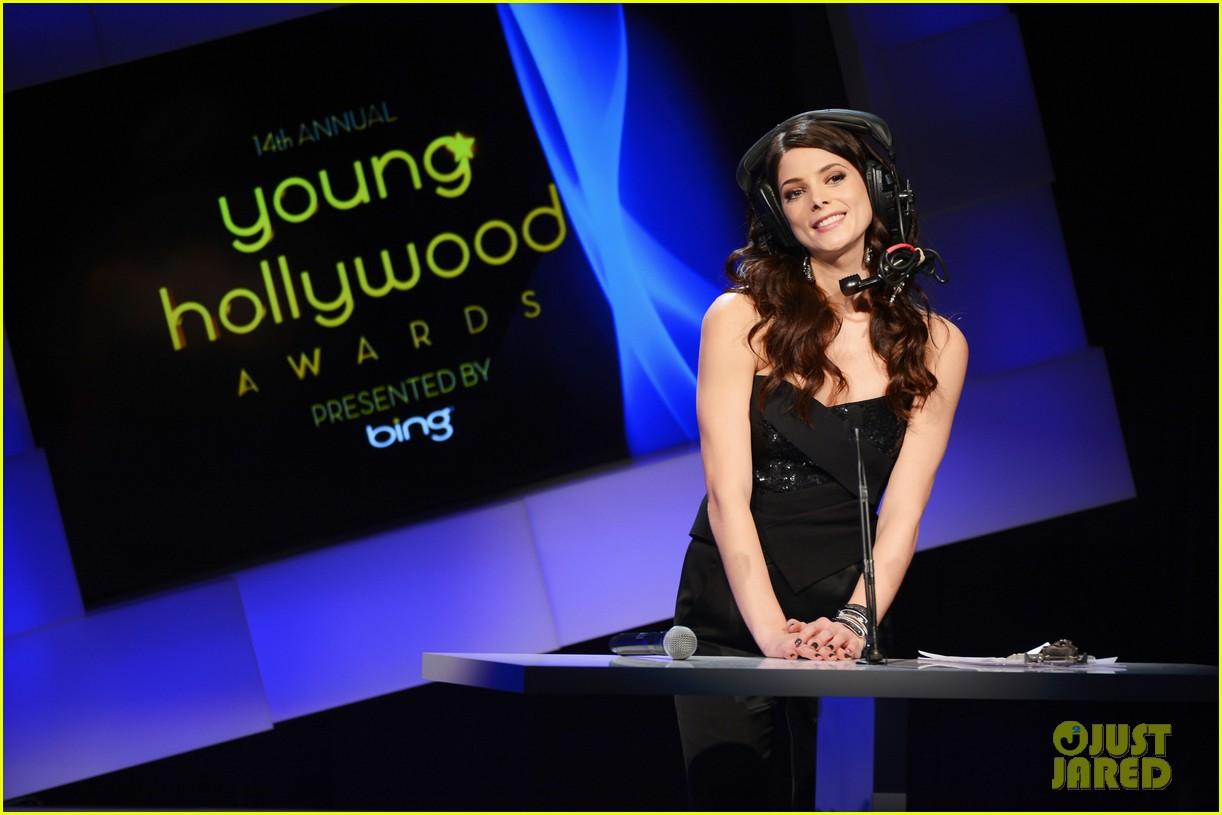 ashley greene young hollywood awards hailee steinfeld 032675184