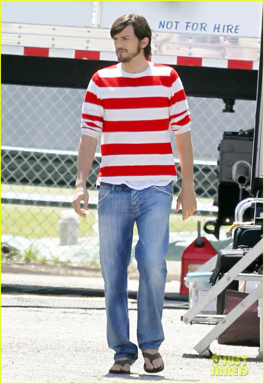 ashton kutcher stripes on jobs set 052675600
