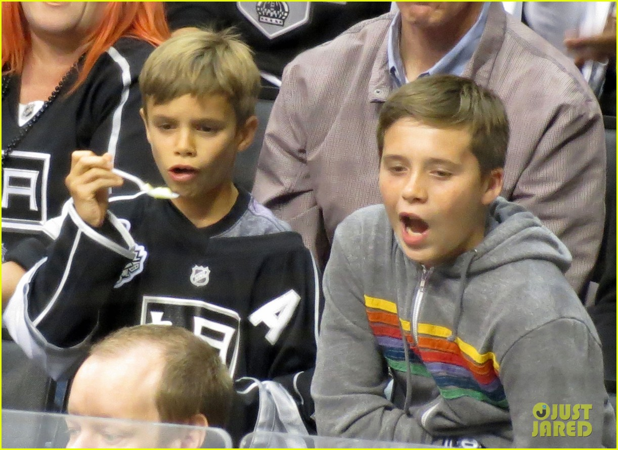 beckham boys at the stanley cup 02