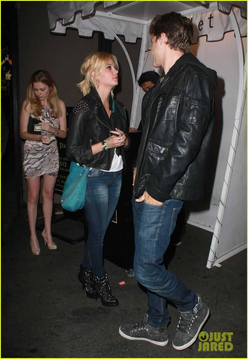 Keegan Allen And Ashley Benson Kissing Keegan Allen Talks Shi...