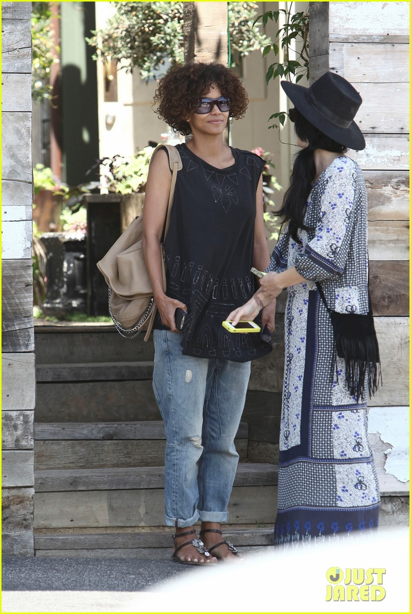halle berry eveleigh lunch 102673753