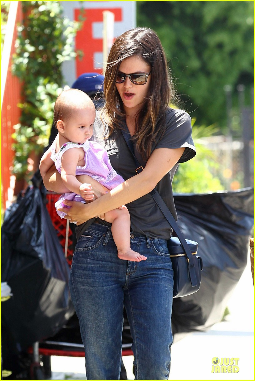 rachel bilson baby lunch 02