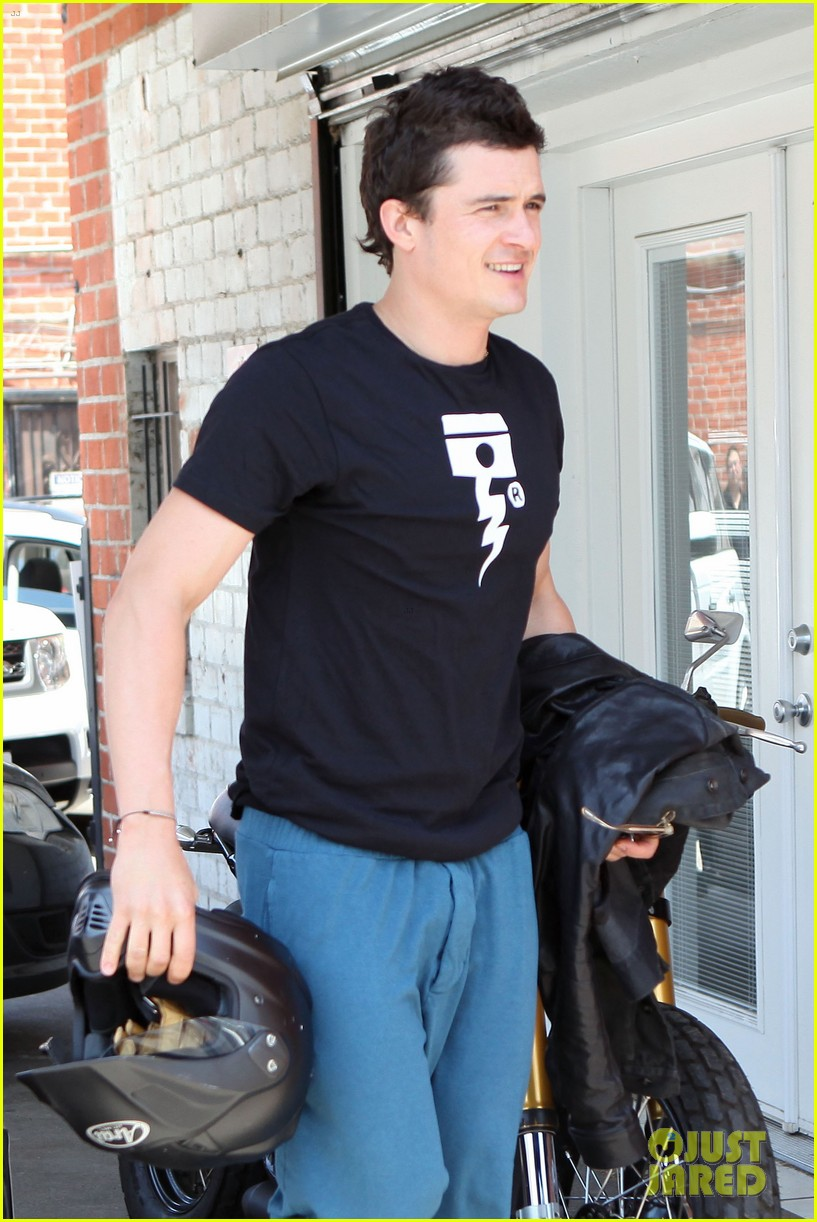 orlando bloom biker boy in beverly hills 022674208