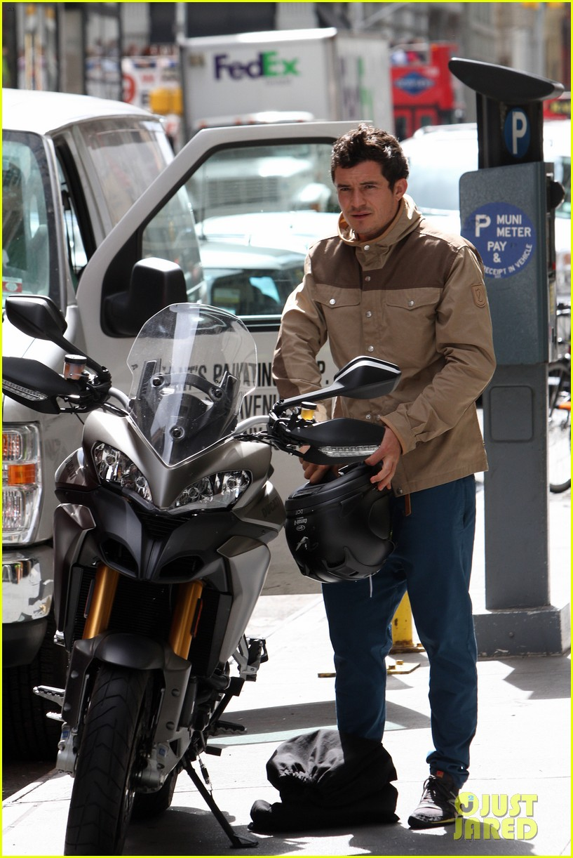 orlando bloom ducati man 08