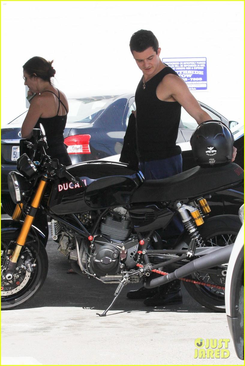Orlando Bloom: Motorcy... Orlando Bloom