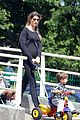 gisele bundchen pregnant stroll with benjamin 06