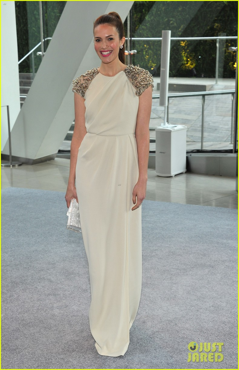 sophia bush mandy moore cfda fashion awards 2012 11