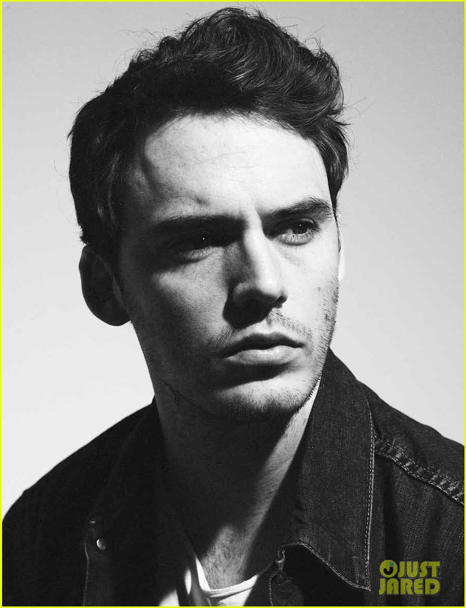 sam claflin flaunt feature 032674057