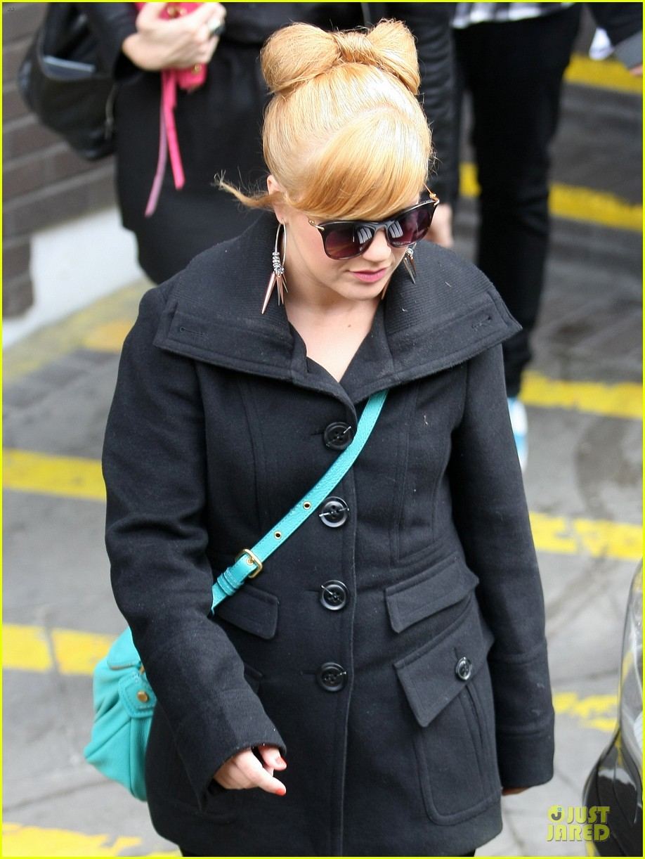 kelly clarkson itv studios 05