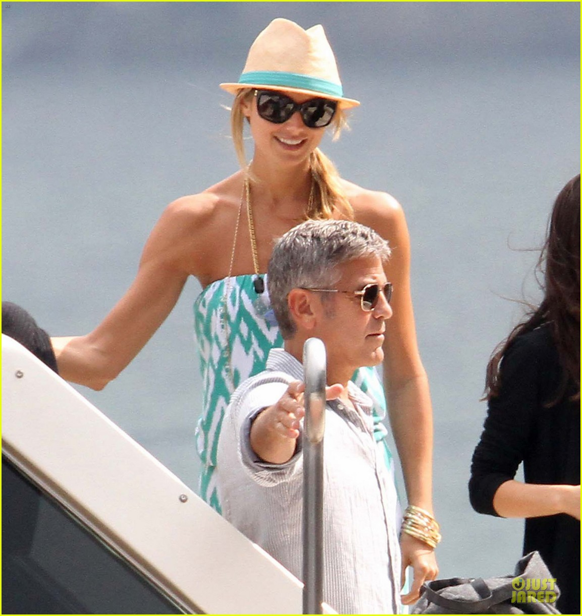george clooney stacy keibler lake como cruise 03