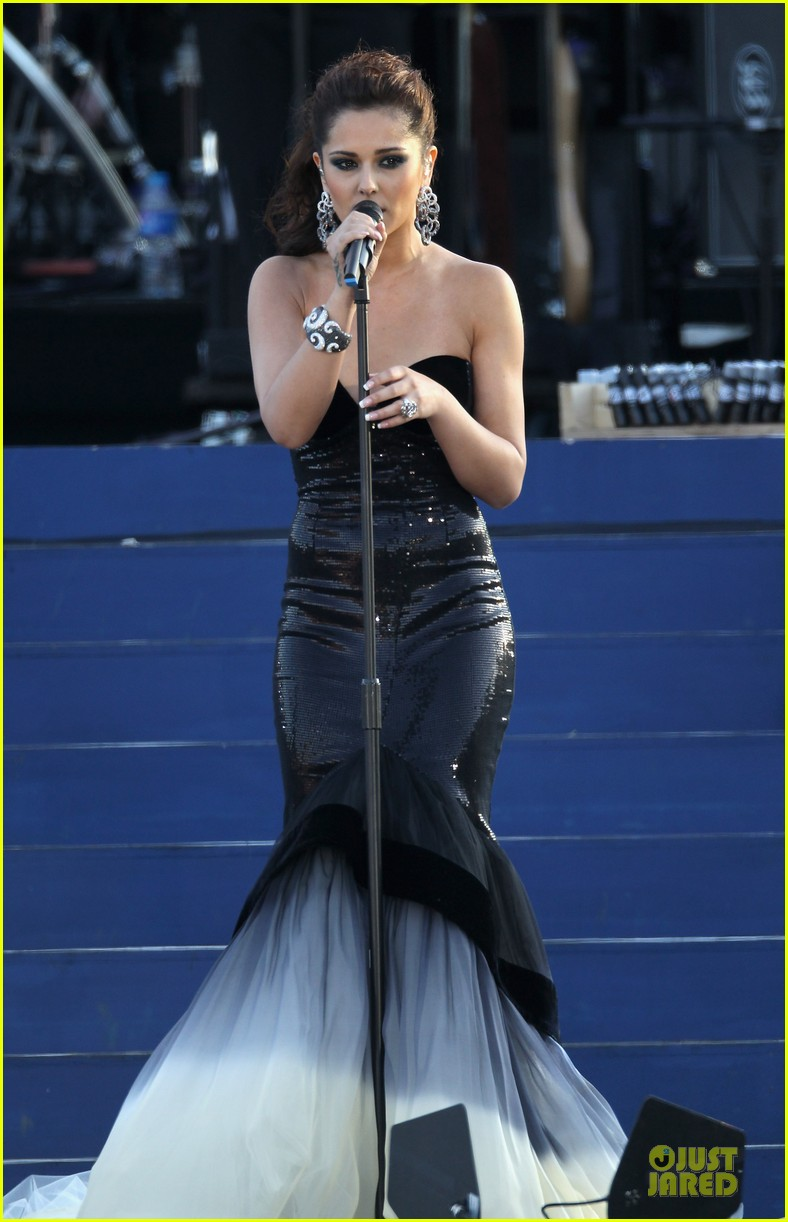 cheryl cole diamond jubilee concert 042670424