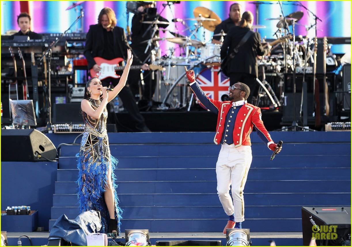 cheryl cole diamond jubilee concert 082670428