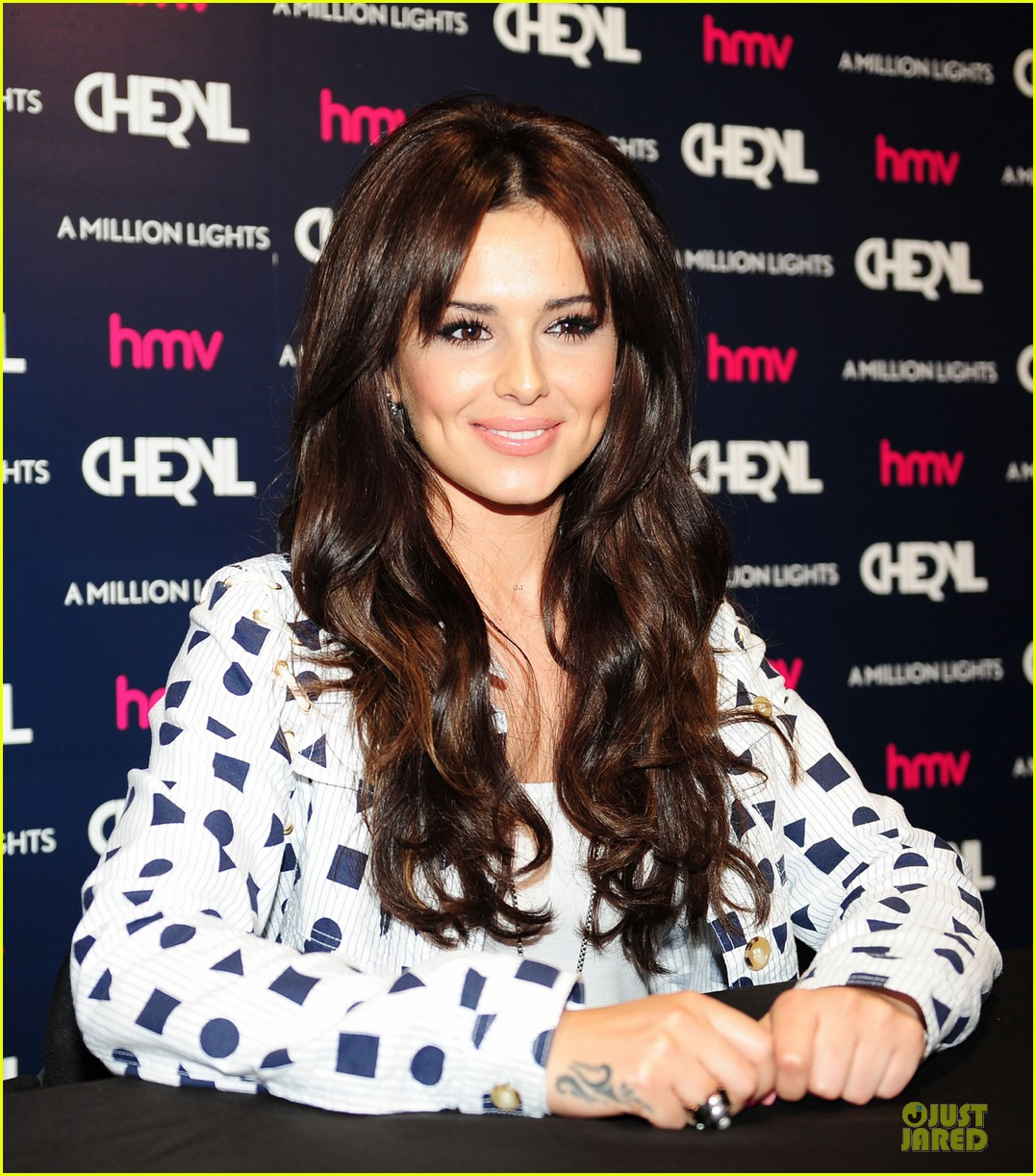 Cheryl cole hometown meet greet photo 2677382 cheryl cole cheryl cole newcastle meet greet 032677382 m4hsunfo