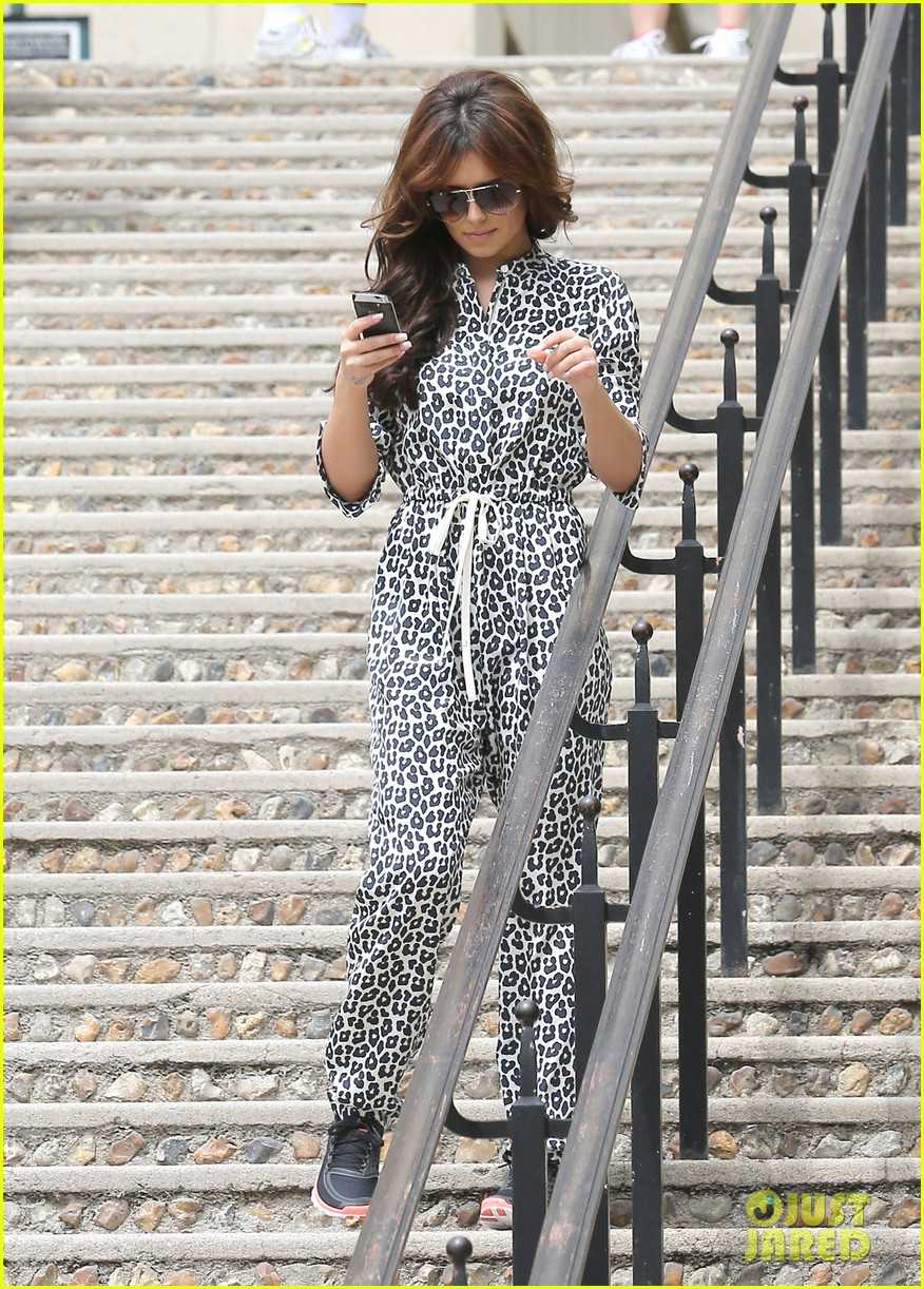 cheryl cole sightseeing in paris 182674793