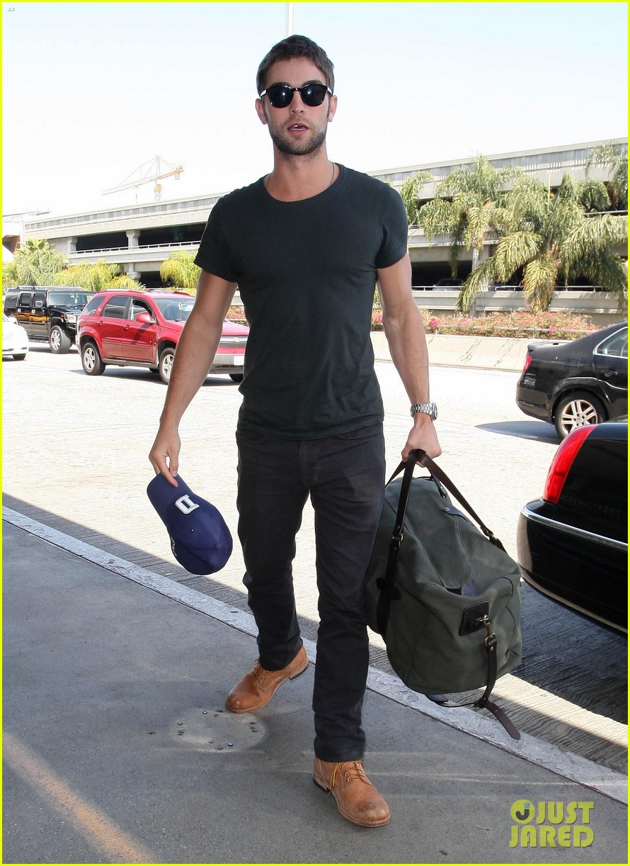 chace crawford penn badgley gossip guys 01