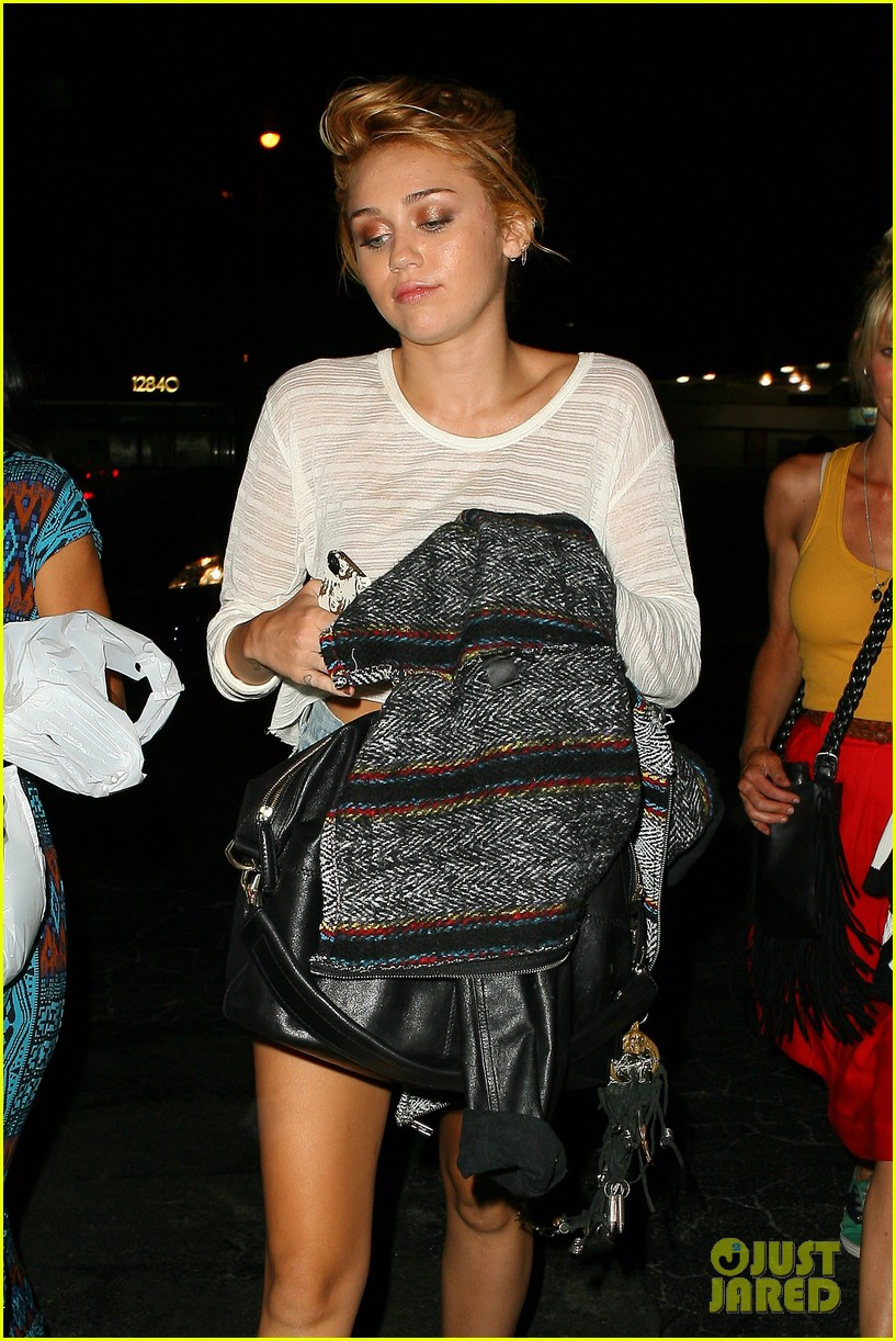 miley cyrus post engagement announcement dinner 10