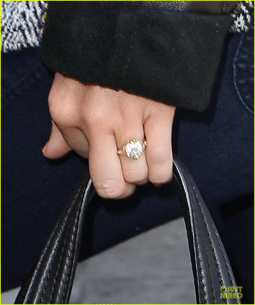 miley cyrus engagement ring lax 032671690