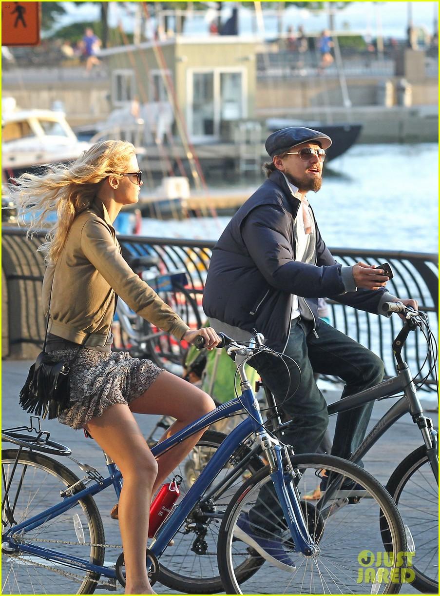 leonardo dicaprio erin heatherton biking twosome 032675281