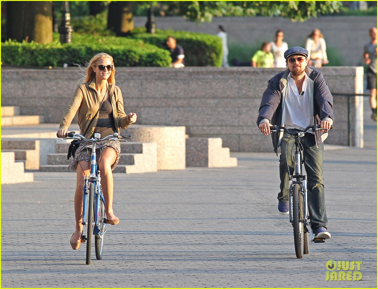 leonardo dicaprio erin heatherton biking twosome 06