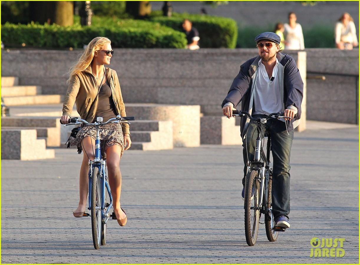 leonardo dicaprio erin heatherton biking twosome 072675285