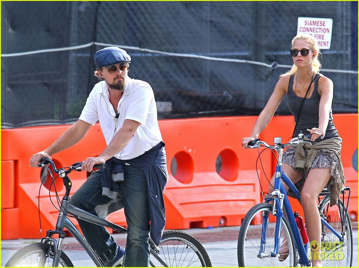 leonardo dicaprio erin heatherton biking twosome 082675286