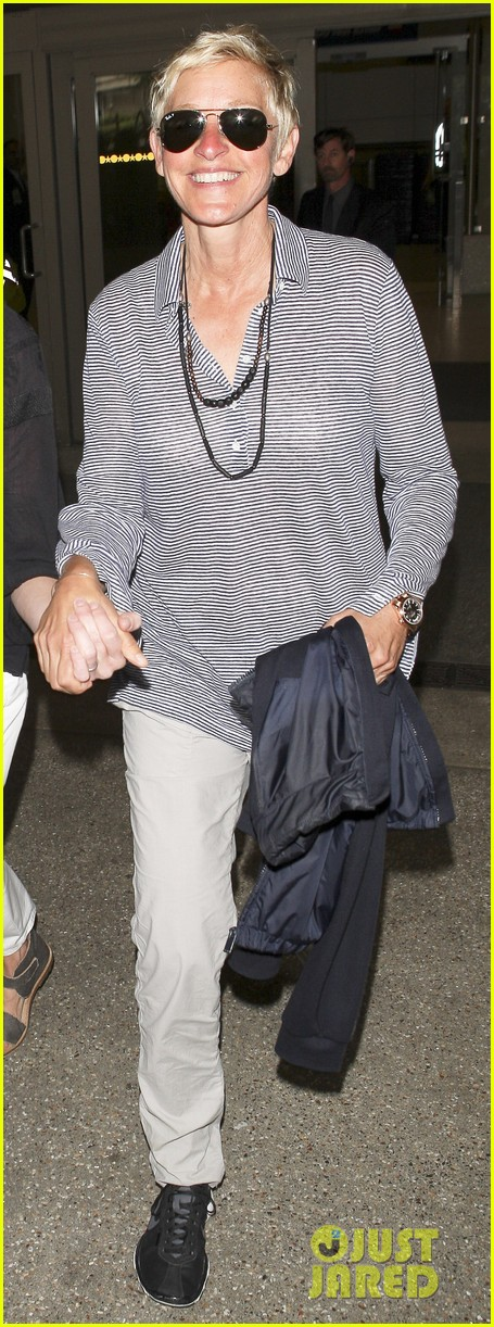ellen and portia lax arrival 04