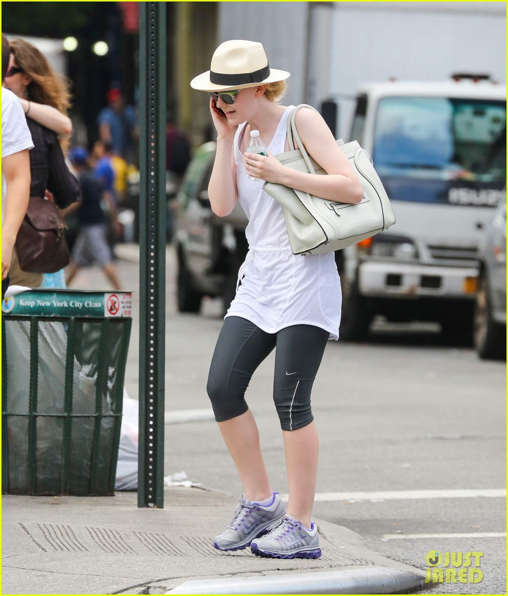 dakota fanning leaving gym 01