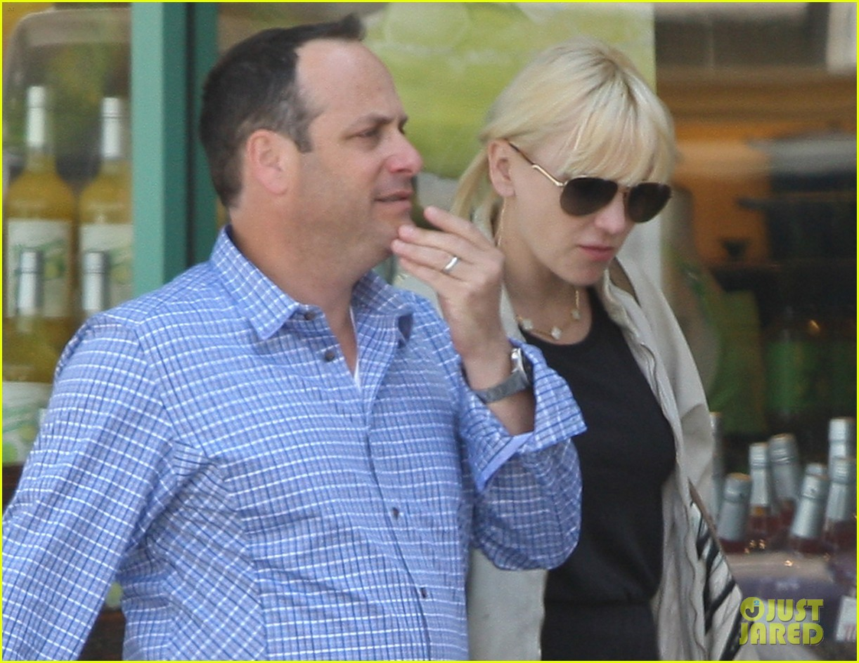 anna faris lunch with pal 05