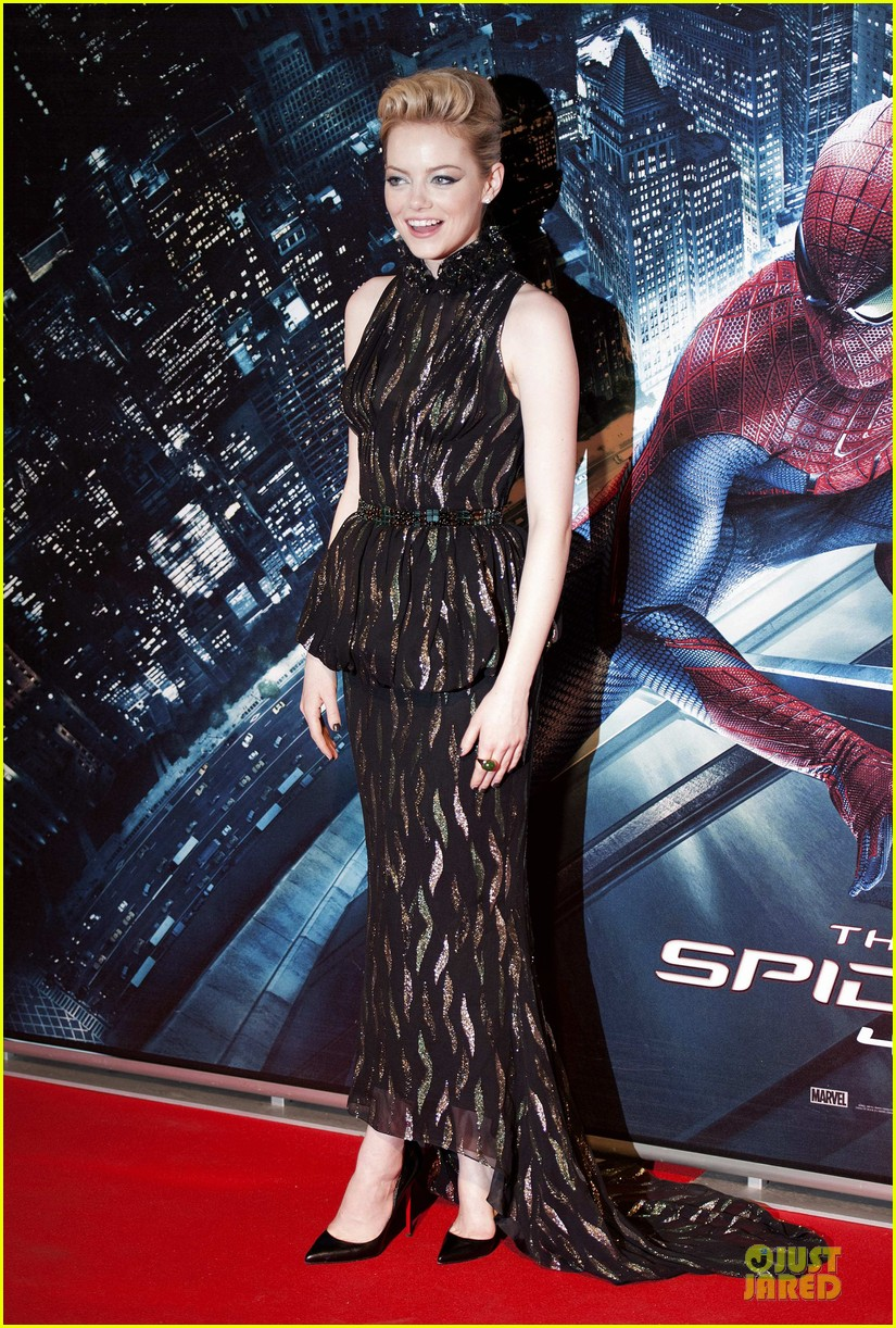 emma stone andrew garfield spider man rome premiere 01