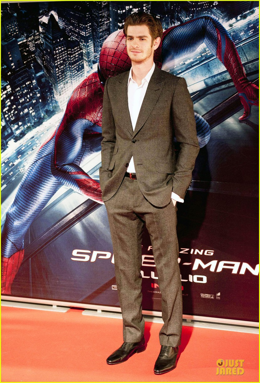 emma stone andrew garfield spider man rome premiere 12