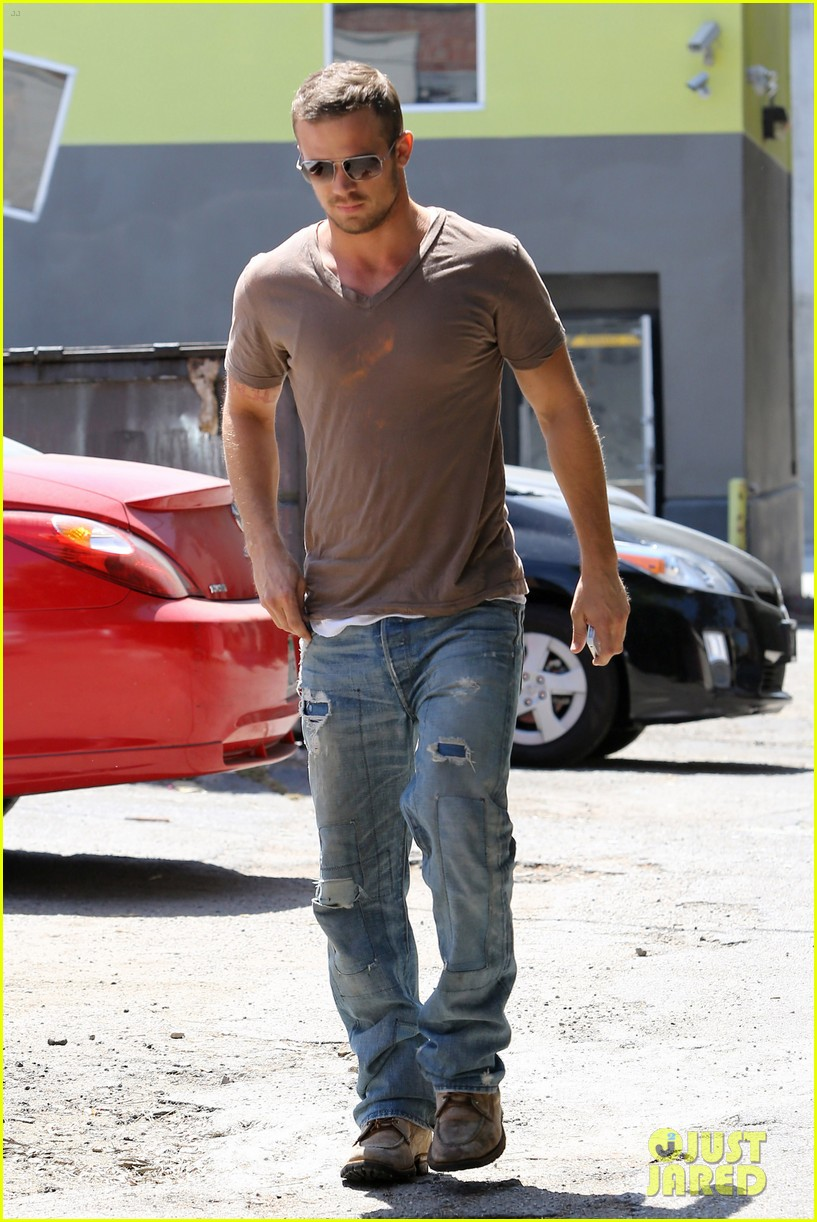 cam gigandet toast lunch 042672483