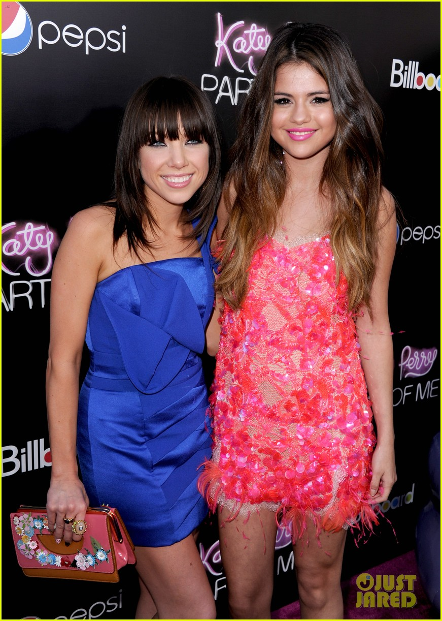 selena gomez katy perry part of me premiere 02