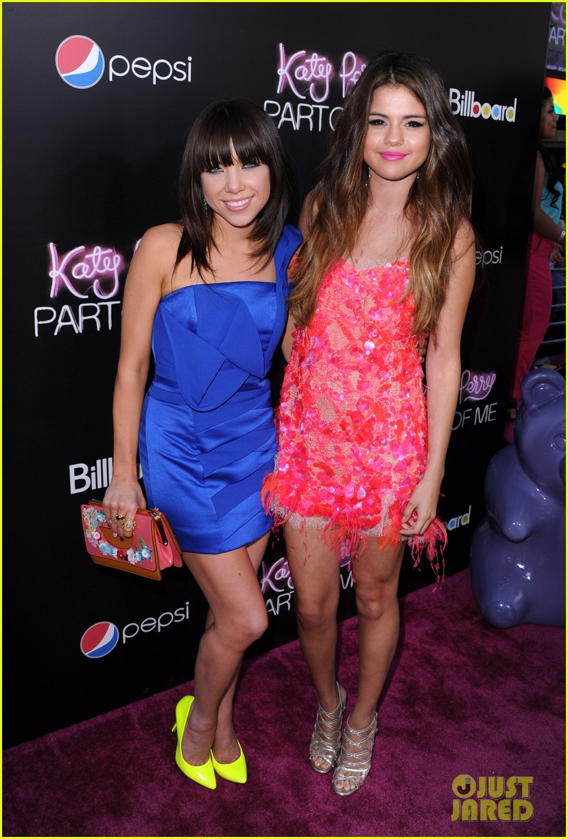 selena gomez katy perry part of me premiere 082679829