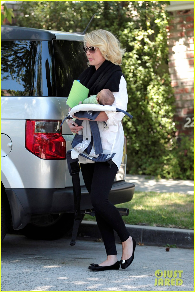 katherine heigl flying with adalaide 092680845