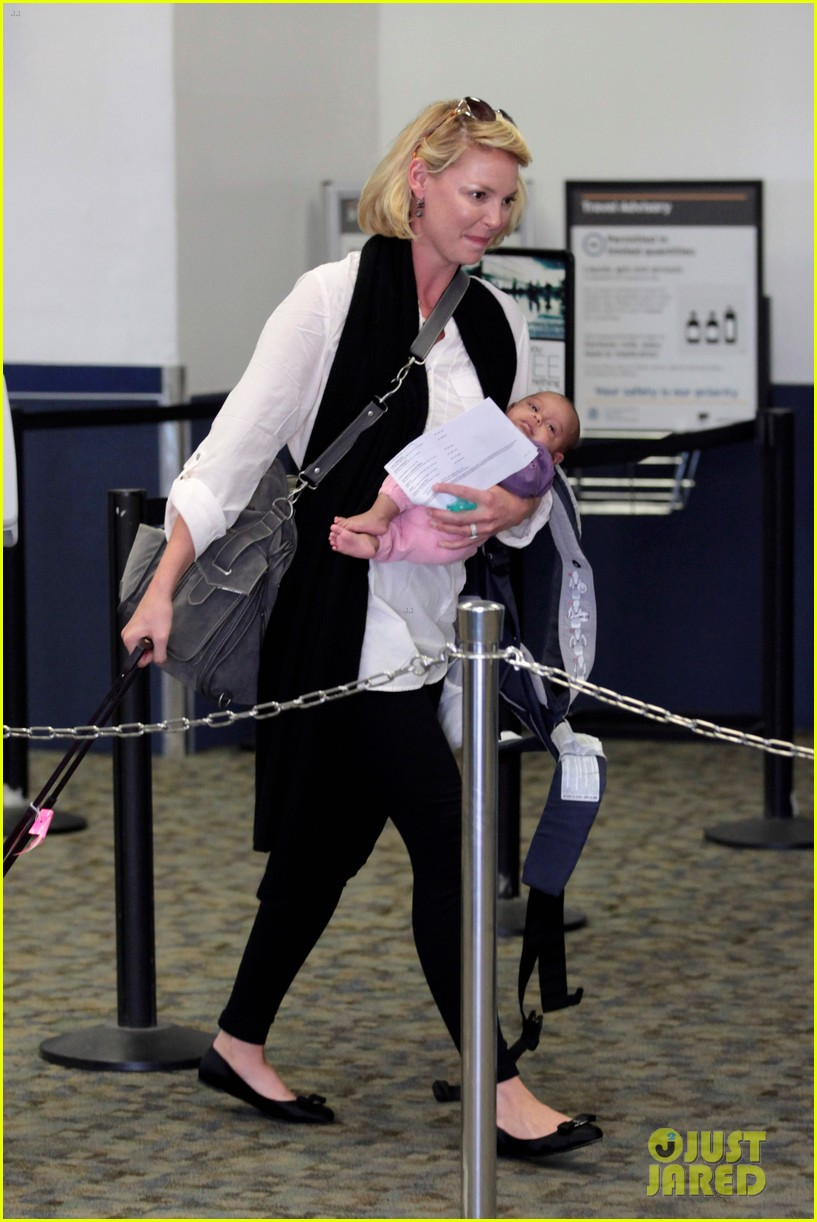 katherine heigl flying with adalaide 162680852