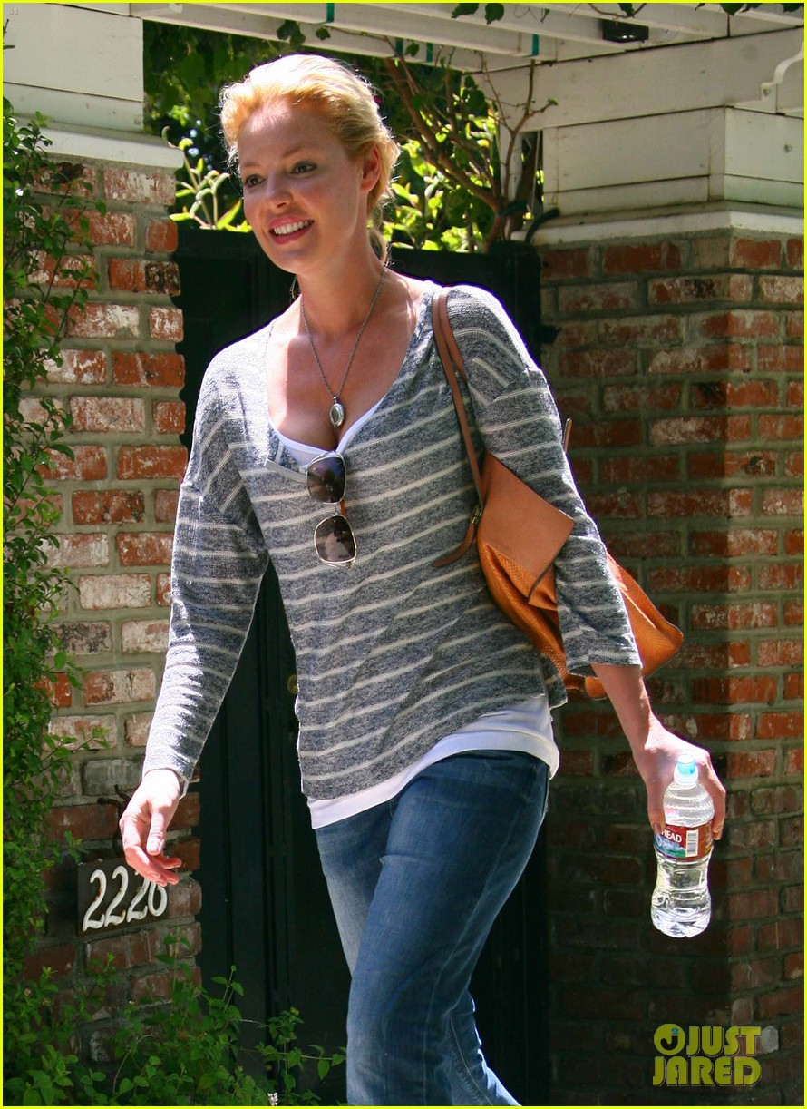 katherine heigl stepping out 022672378