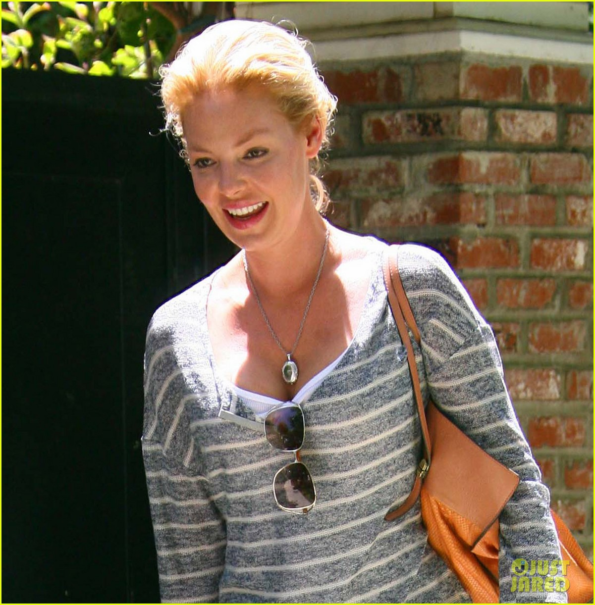 katherine heigl stepping out 042672380