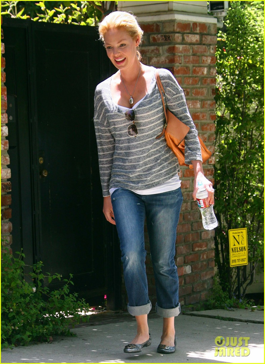 katherine heigl stepping out 052672381