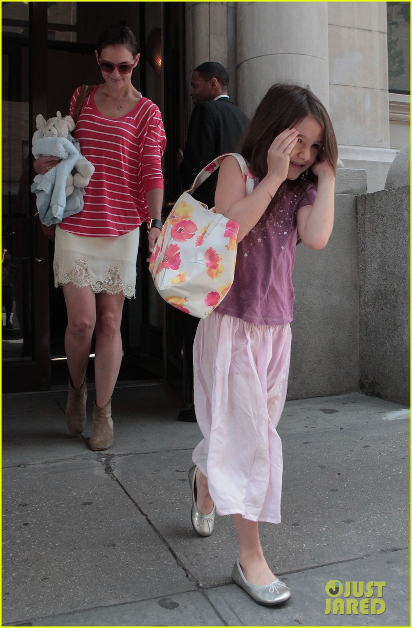 katie holmes suri early morning outing 052678130
