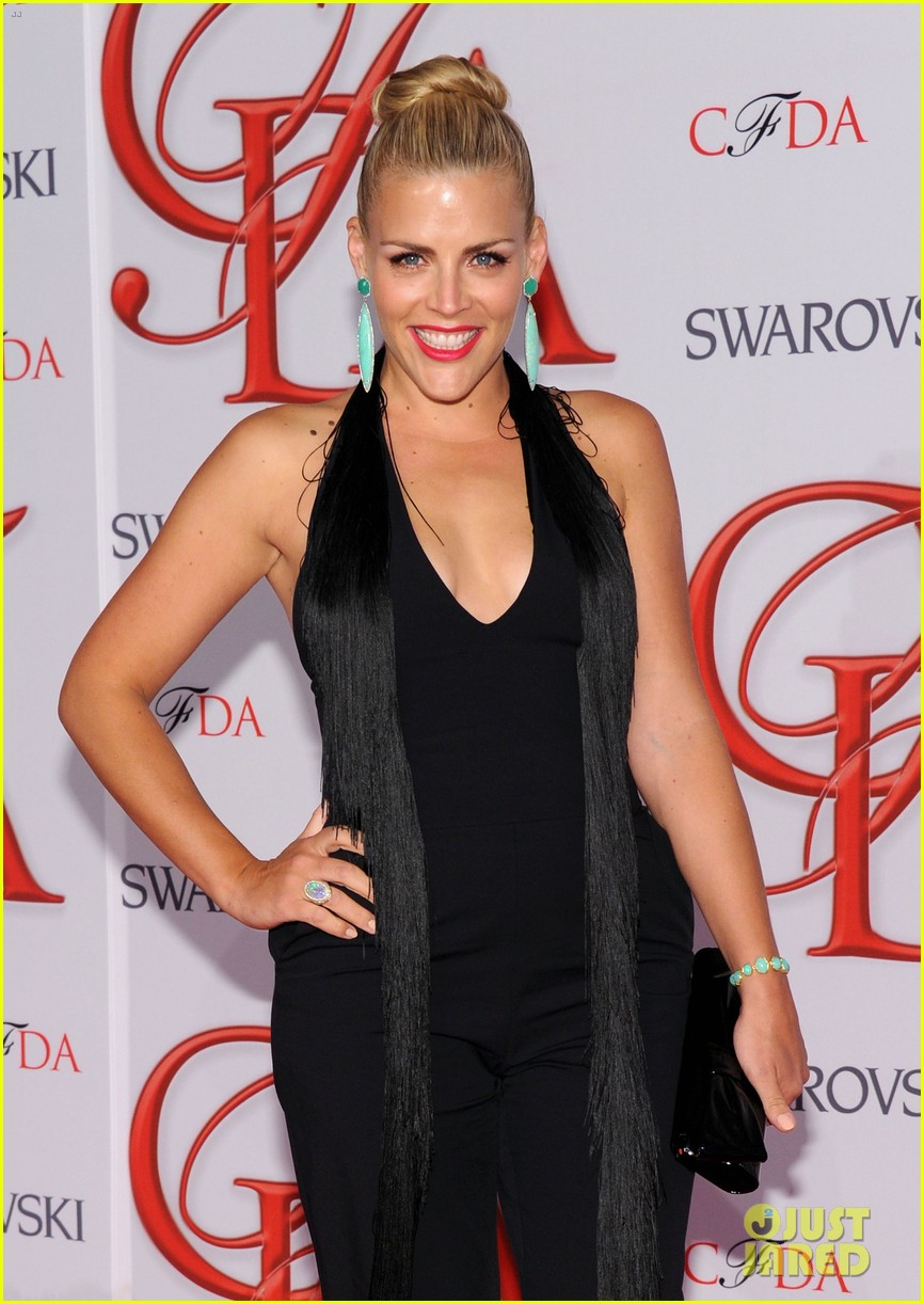 julianne hough busy philipps cfda fashion awards 2012 05