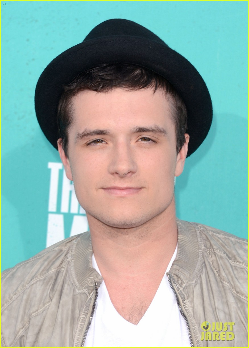 hutcherson mtv awards 022670174