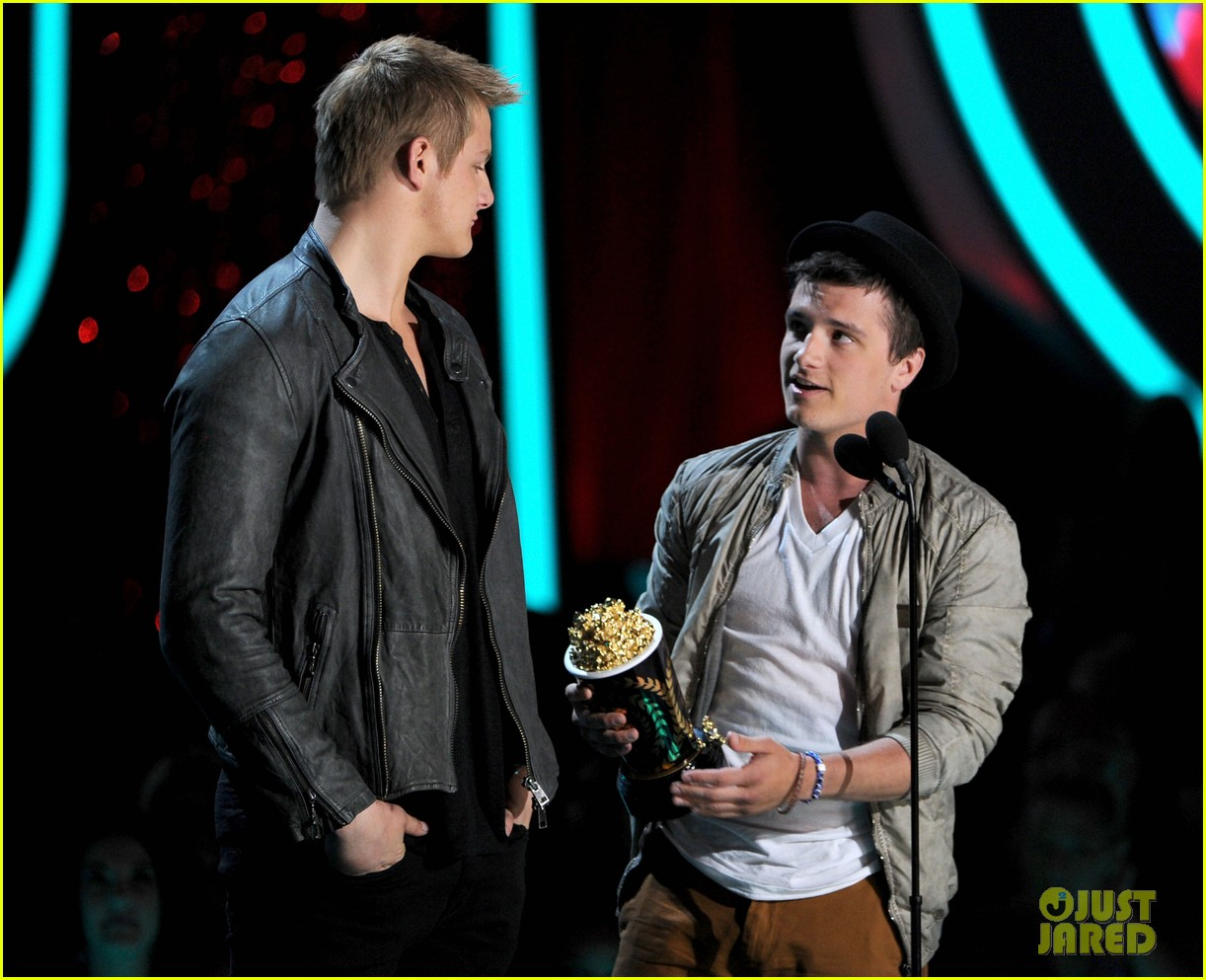 hutcherson mtv awards 032670175