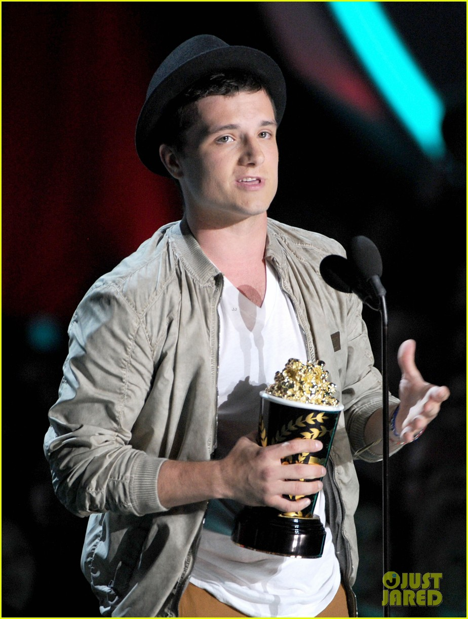 hutcherson mtv awards 122670184