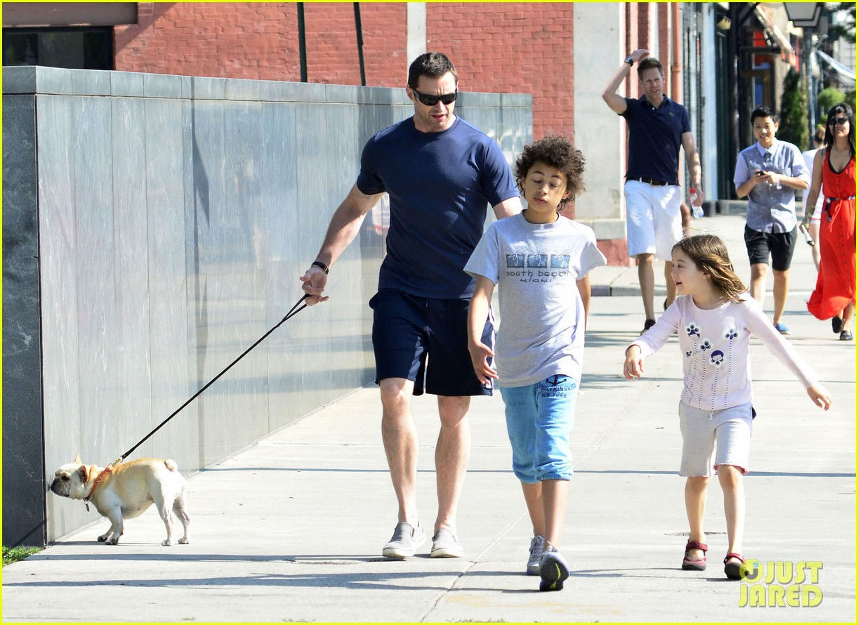 hugh jackman fathers day walk 06