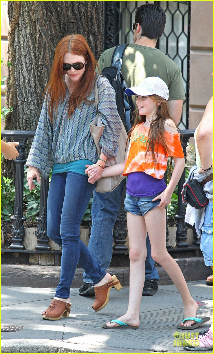joseph gordon levitt julianne moore daughter 032680926
